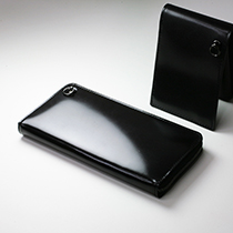 DIAMOND WALLET -CORDOVAN –の写真