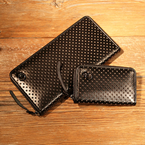 DIAMOND PUNCHING ZIP WALLET -LaVish-の写真